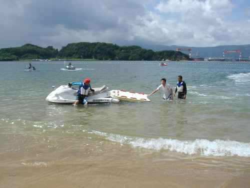イマリンビーチ海開きと青バイ隊の展示訓練_a0077071_1601551.jpg