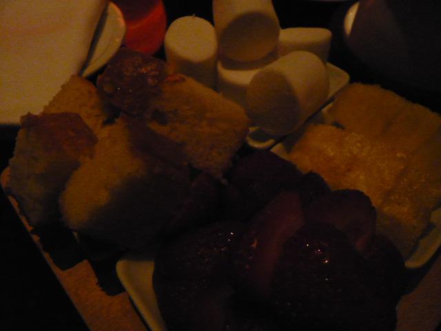 シメはチョコレートフォンデュで(食べすぎ反省日記)_c0100865_429520.jpg