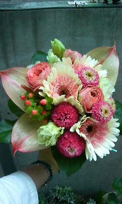 ホワイト&ピンクの南国風ブーケ_c0137266_154833.jpg