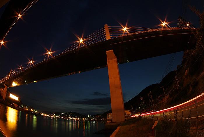 尾道大橋VS新尾道大橋_c0152379_6241647.jpg