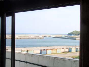 7月25日 窓から見た風景_b0158746_9272644.jpg