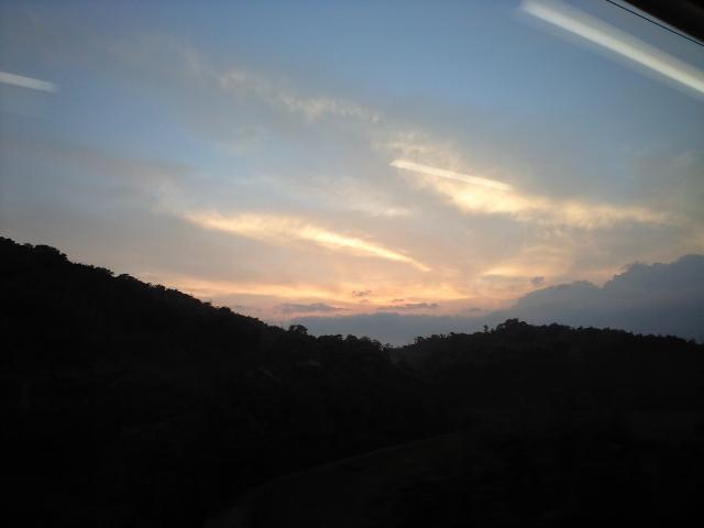 赤い虹と、空の上の列車 (餘部)_b0005281_22252097.jpg
