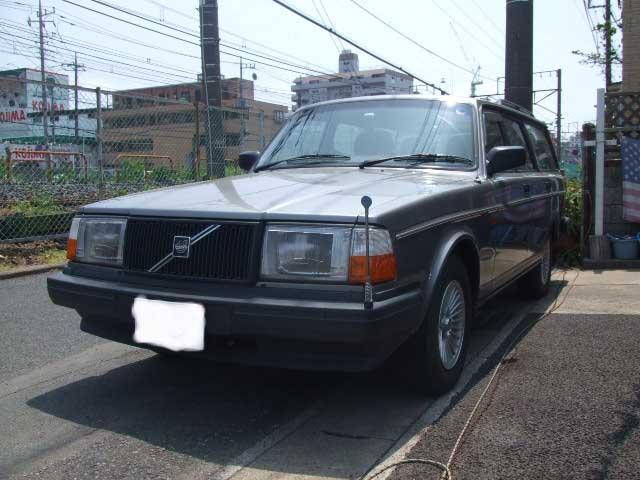乗って楽しい 所有したくなる車 ボルボ 240 ワゴンです_b0123820_1391248.jpg