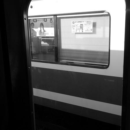 P5100でモノクロ・ましかく - ある朝の旅 -_c0135079_2345512.jpg