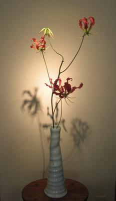 花器にお花を_b0100229_17291581.jpg