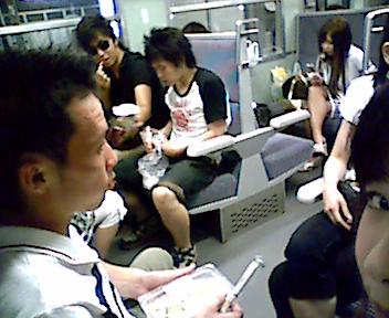 帰りの電車~_e0114246_2253172.jpg