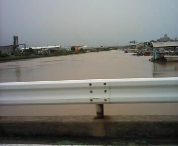 ■洪水 ■ 海7月28日(月)15:00_b0112351_13531484.jpg