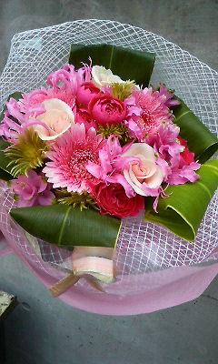 ラブリーピンクの花束_c0137266_1664516.jpg