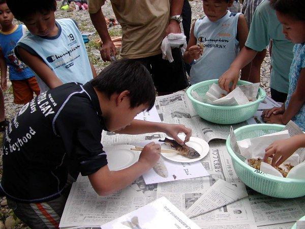 芦生自然学校 魚編 その2 食う_c0057390_23154975.jpg