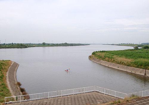 ついに利根川へ! (花見川カヌー探検 その3)_c0137404_10324097.jpg