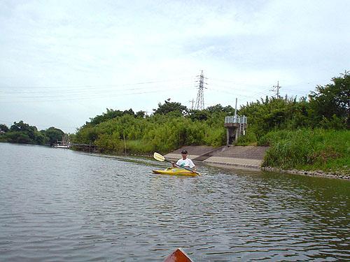ついに利根川へ! (花見川カヌー探検 その3)_c0137404_9444238.jpg