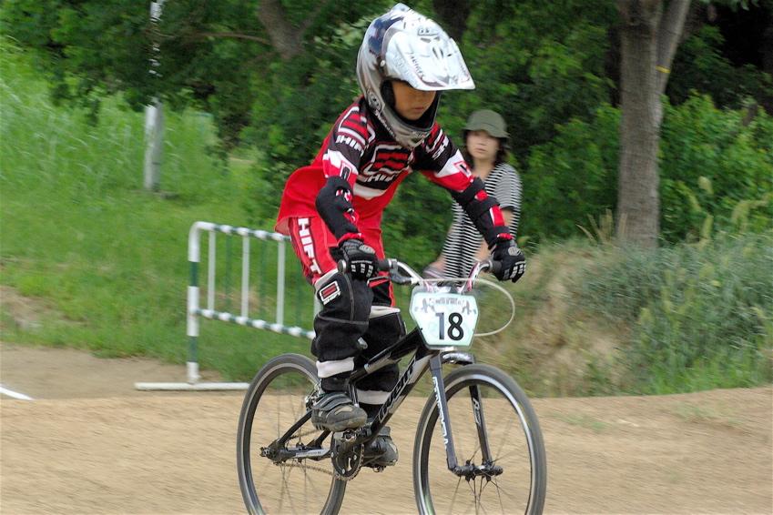 2008レーサーオブレースVOL6 :BMX、MTB、クルーザークラス予選_b0065730_18371174.jpg