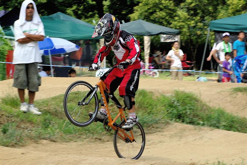 2008レーサーオブレースVOL6 :BMX、MTB、クルーザークラス予選_b0065730_18403342.jpg