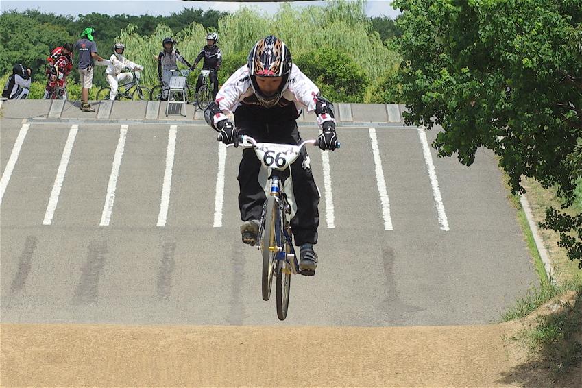 2008レーサーオブレースVOL6 :BMX、MTB、クルーザークラス予選_b0065730_18455122.jpg