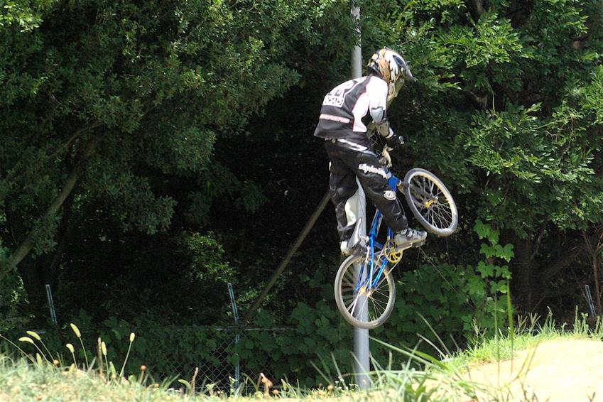2008レーサーオブレースVOL6 :BMX、MTB、クルーザークラス予選_b0065730_1846549.jpg