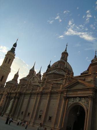 Zaragozaのお菓子屋さん&街並み_e0120938_6231089.jpg