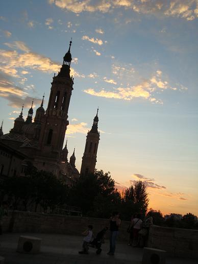 Zaragozaのお菓子屋さん&街並み_e0120938_6275137.jpg