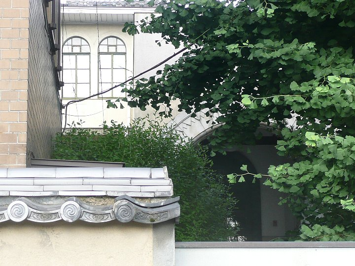 聖ドミニコ会聖トマス学院京都修道院_c0112559_1657057.jpg