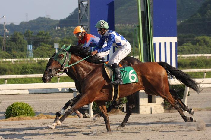 濱田達也騎手、4勝目~_a0077663_2095686.jpg
