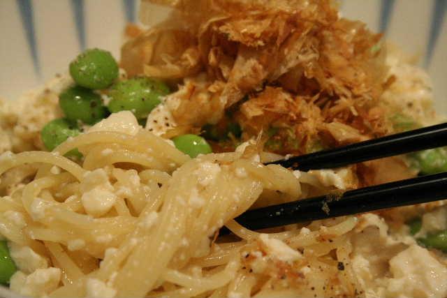 枝豆と豆腐の冷たいパスタ・・・イソフラボン×3♪_f0141419_681473.jpg