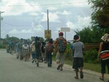 ミクロネシア諸島自然体験‐2008年少年少女自然体験交流-島内散策_a0043520_2515162.jpg