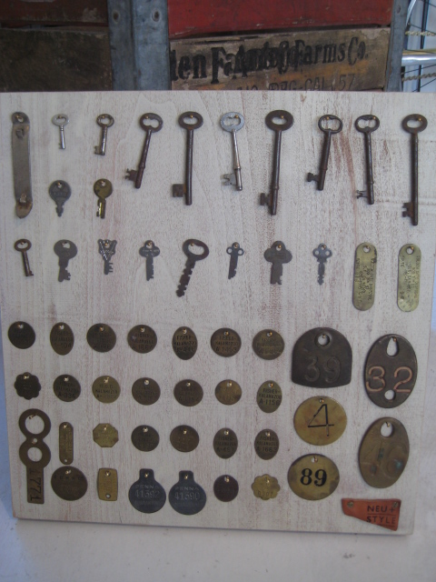 ANTIQUE KEY_c0146581_121365.jpg