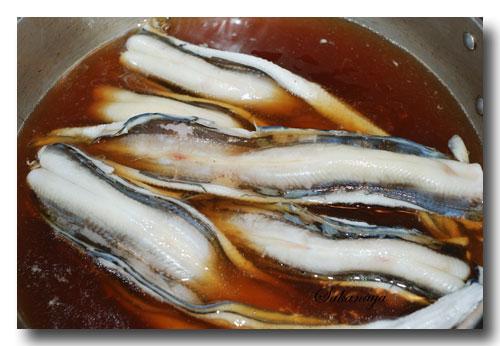 煮穴子の作り方...... アナゴの煮付け ☆ ふっくら柔らかく炊きますよ ♪_d0069838_11212483.jpg
