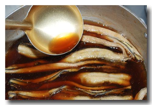 煮穴子の作り方...... アナゴの煮付け ☆ ふっくら柔らかく炊きますよ ♪_d0069838_11224791.jpg