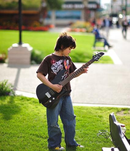 9歳のストリートミュージシャン_a0088116_239463.jpg