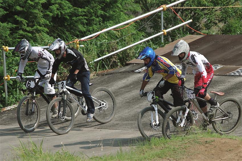 2008JOSF8月緑山定期戦VOL4:MTBエリートクラス予選第3ヒート〜決勝_b0065730_12351480.jpg