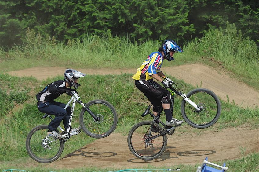 2008JOSF8月緑山定期戦VOL4:MTBエリートクラス予選第3ヒート〜決勝_b0065730_1237552.jpg