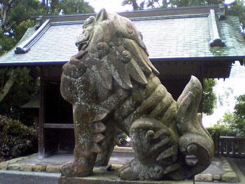 草薙神社の迷いうさぎ_b0005652_2001999.jpg