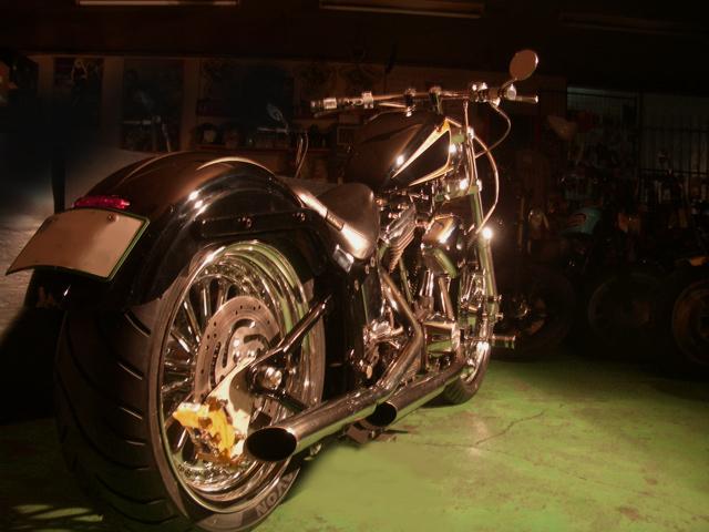Harley Davidson FXSTC _d0130115_2147891.jpg