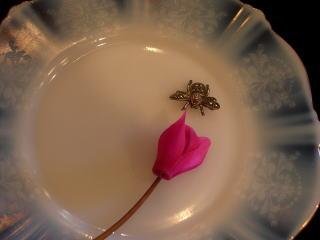 Bee jewellery_d0127182_17385247.jpg
