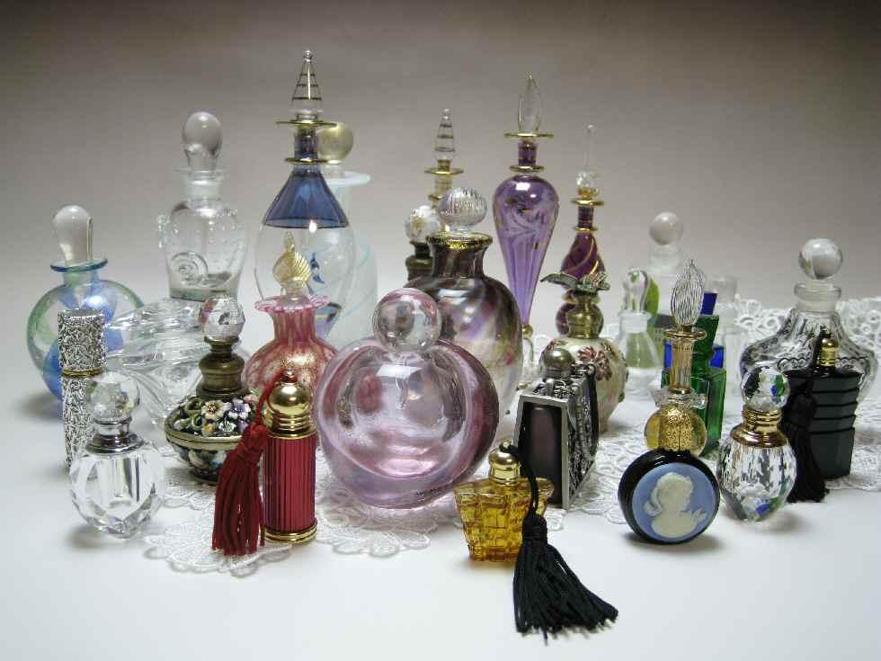 私の集めた香水瓶たち_c0165636_14333827.jpg