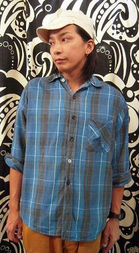 クタクタのネルシャツ。_d0121303_12511752.jpg