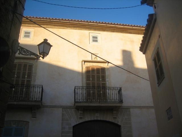 Mallorcaの思い出 15 アルタの町で見かけた扉_b0064411_1481116.jpg