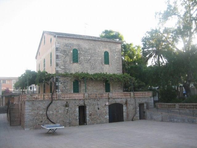 Mallorcaの思い出 15 アルタの町で見かけた扉_b0064411_201721.jpg
