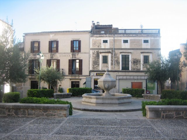 Mallorcaの思い出 15 アルタの町で見かけた扉_b0064411_213555.jpg