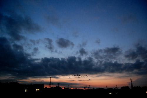 空 と 太陽 と 月 と_f0047623_11561610.jpg