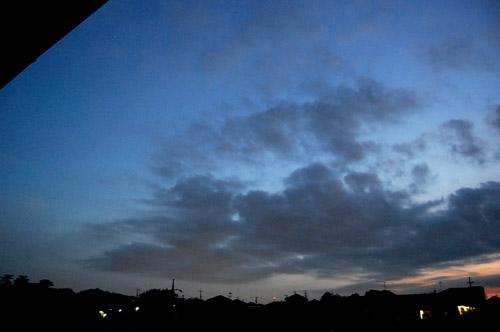空 と 太陽 と 月 と_f0047623_1157076.jpg