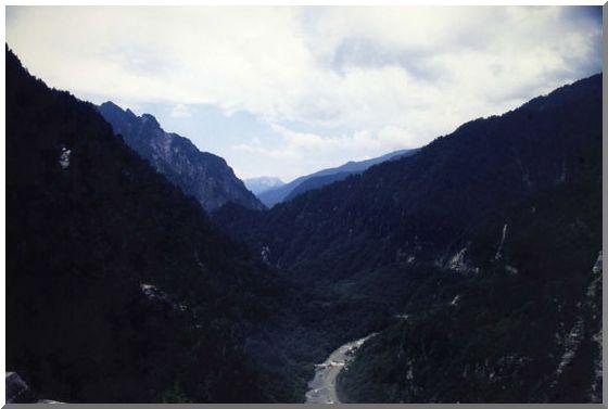 黒部峡谷(くろよんダム)_d0123528_16363561.jpg
