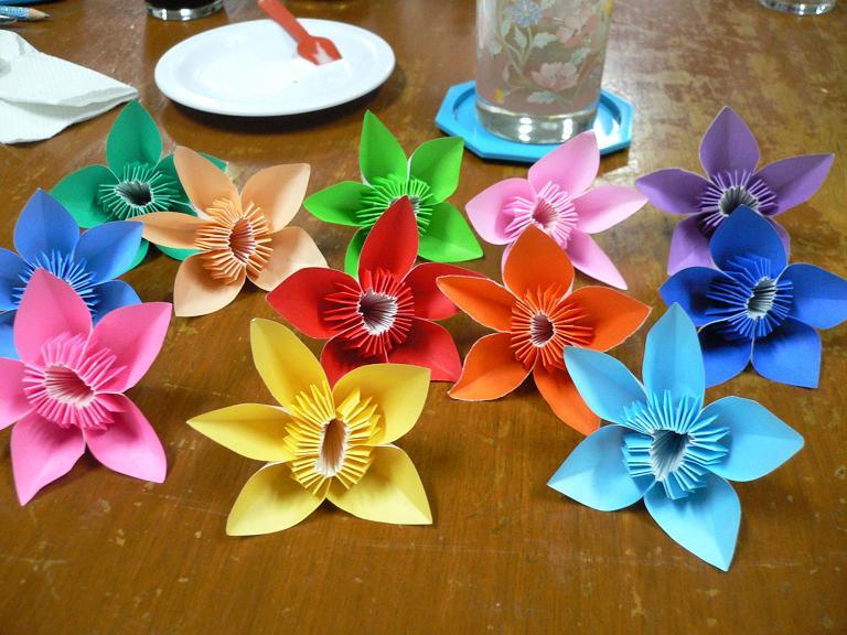 すべての折り紙 折り紙 バラの花束 : 折り紙 花 美味しいレシピ ...