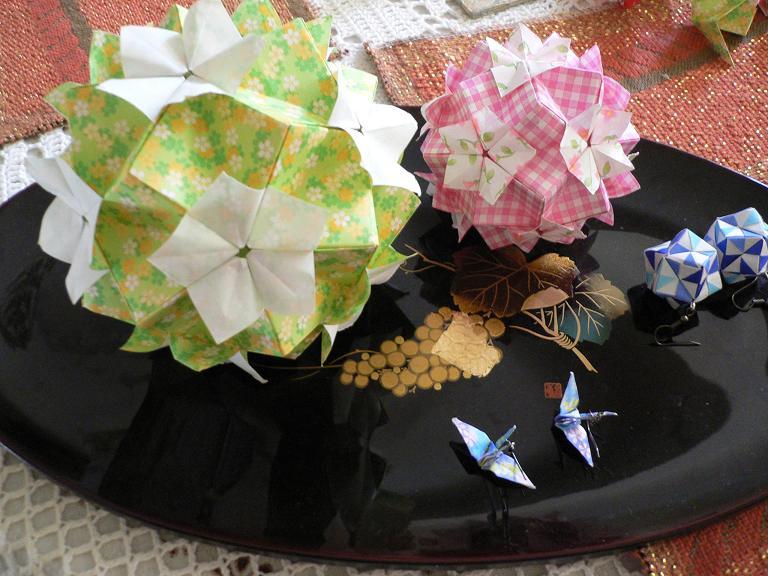 すべての折り紙 七夕 折り紙 くす玉 : ... 折り紙隊員~ : 子猫的BOLIVIA論