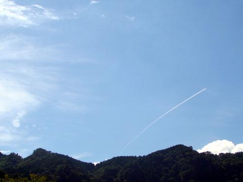 飛行機雲_a0047200_6481243.jpg