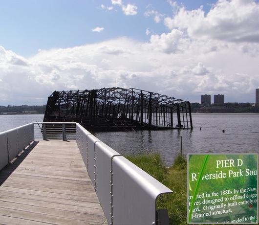 再開発の中にある歴史 Riverside Park_b0007805_1002382.jpg
