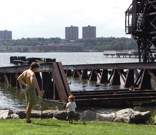 再開発の中にある歴史 Riverside Park_b0007805_848422.jpg