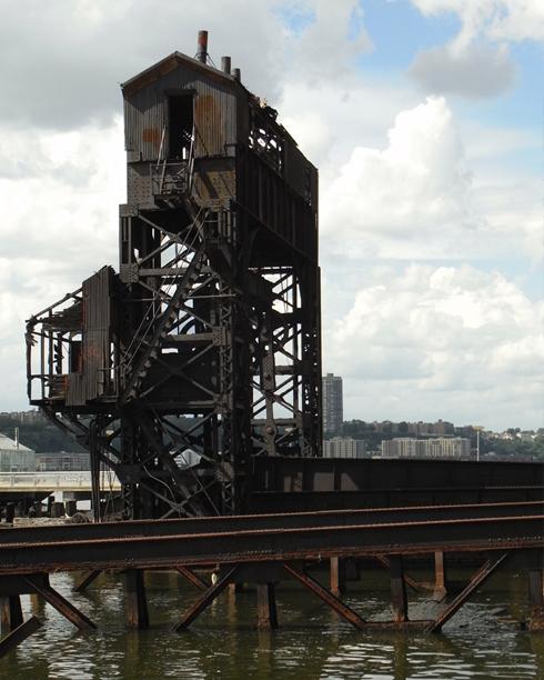 再開発の中にある歴史 Riverside Park_b0007805_849243.jpg