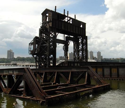 再開発の中にある歴史 Riverside Park_b0007805_942202.jpg