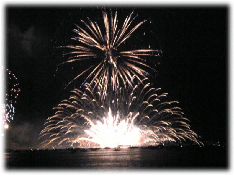 特別な花火大会。_e0116563_2044280.jpg